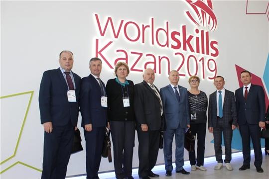 Министр Сергей Кудряшов принял участие в Деловой программе и посетил конкурсные площадки Национального чемпионата «Молодые профессионалы»
