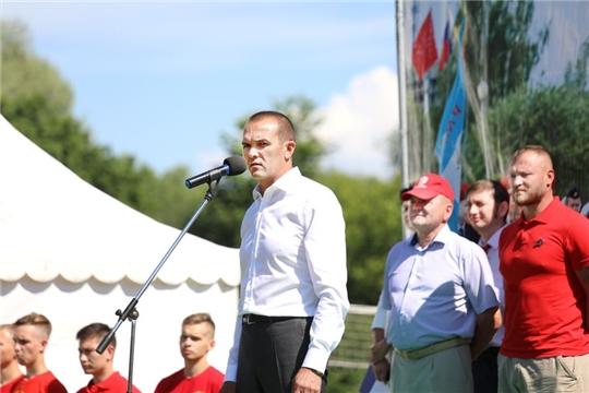 Глава Чувашии открыл      51-е республиканские финальные военно-спортивные игры «Зарница» и «Орленок»