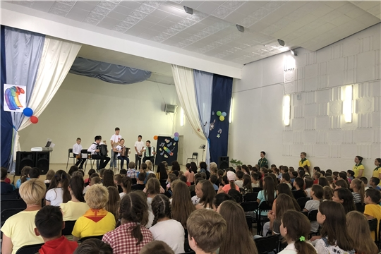 Отчетный концерт юных музыкантов и выставка художников – участников  профильной смены