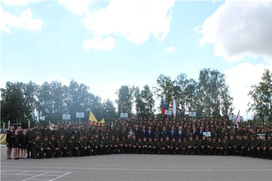 Постигать азы армейской жизни начали участники второй смены Юнармейского оборонно-спортивного лагеря «Гвардеец»