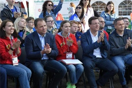 Игорь Комаров посетил Молодежный форум «iВолга 2.0» в Самарской области
