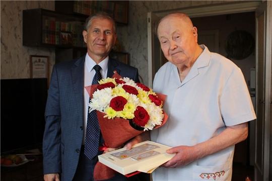 Министр Сергей Кудряшов поздравил с юбилеем бывшего министра просвещения ЧАССР Георгия Сидоровича Сидорова