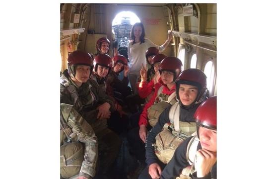 Более 100 школьников стали участникам военно-спортивных лагерных сборов