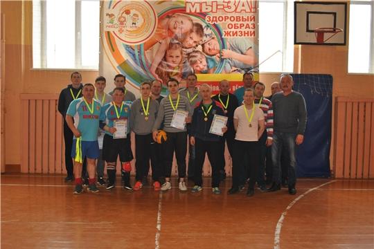 Состоялись финальные игры Первенства Шемуршинского района по волейболу