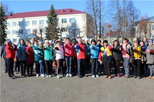 Сотрудники администрации Шемуршинского района рабочий день начали с физической зарядки