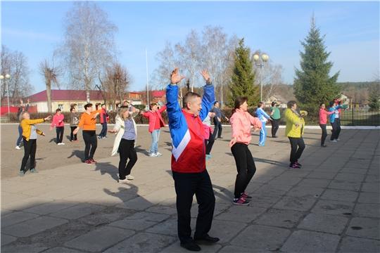 Работники администрации Шемуршинского района провели очередную производственную гимнастику