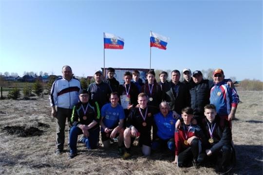 На спортивном стадионе д. Старая Шемурша состоялся традиционный турнир по мини-футболу памяти Олега Каргина