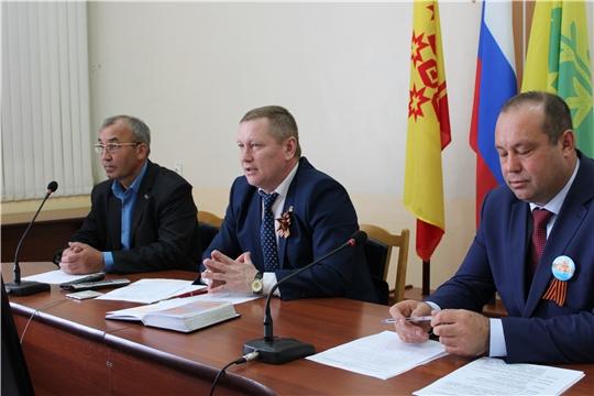 Глава администрации Шемуршинского района Владимир Денисов провел расширенное совещание