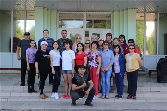 Работники администрации Шемуршинского района провели очередную утреннюю гимнастику