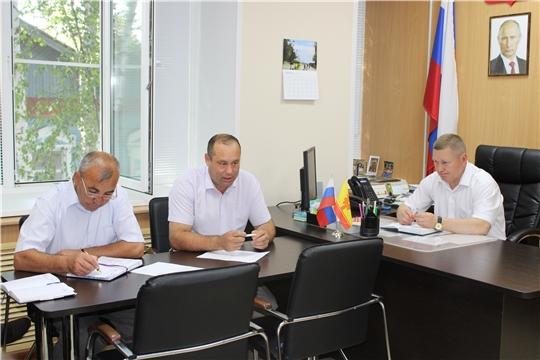 Очередная рабочая неделя в администрации Шемуршинского района началась с еженедельной планерки
