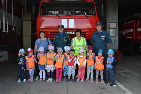 Воспитанники детского сада «Сказка» в гостях у спасателей