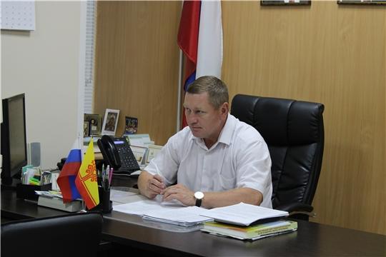 Глава администрации Шемуршинского района Владимир Денисов провел рабочее совещание по вопросу просроченной задолженности населения