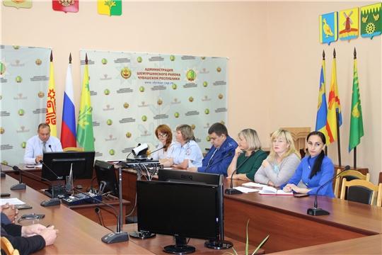 Состоялось плановое заседание комиссии по делам несовершеннолетних и защите их прав администрации Шемуршинского района