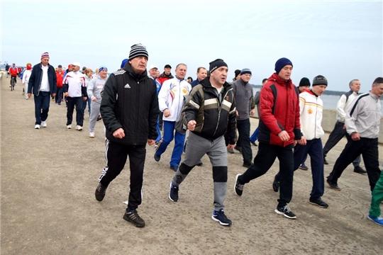 Ни дня без спорта: участники регионального форума, посвященного реализации нацпроектов, начали день с пробежки