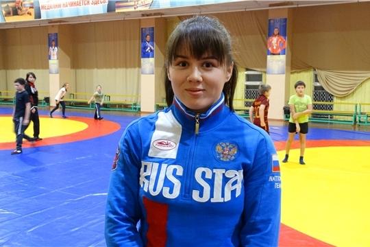Вероника Чумикова выиграла международный турнир по спортивной борьбе в Испании
