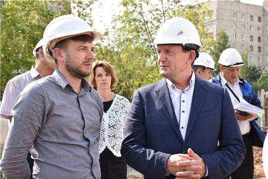 «Спорт - норма жизни»: Михаил Богаратов проинспектировал ход строительства регионального центра по хоккею