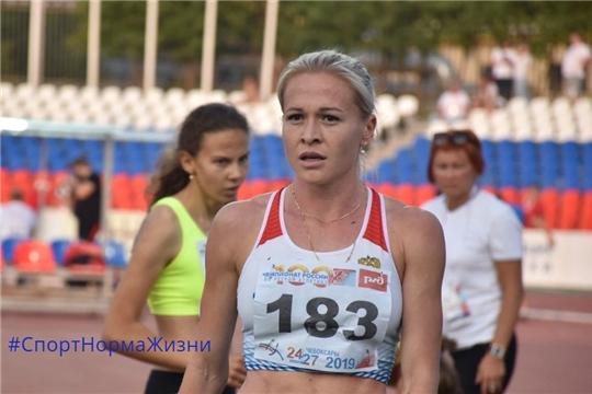 100-й чемпионат России. Екатерина Ишова вышла в финал в беге на 1500 метров