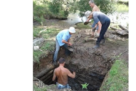 Очередной ремонт родника в селе Ковали