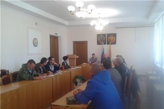 В  администрации Урмарского района состоялось совещание с сельхозтоваропроизводителями района