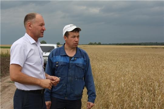 Глава администрации Урмарского района посетил крестьянское (фермерское) хозяйство Тапинова Михаила Николаевича