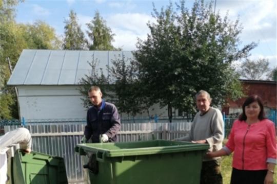 В Большеяниковском сельском поселении устанавливаются контейнеры для ТКО