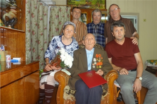 Жителю поселка Урмары исполнилось 90 лет