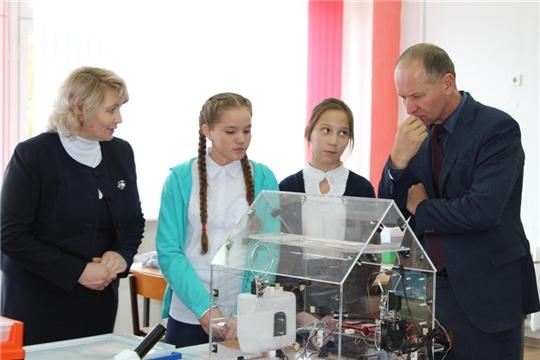 Центр образования цифрового и гуманитарного профилей «Точка роста»заработал в Урмарской школе