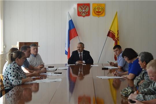 В Янтиковском районе проведено совещание по организованному проведению уборочных работ