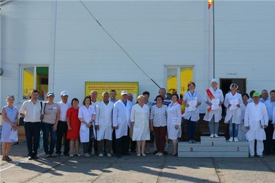 В Вурнарском районе состоялся республиканский конкурс мастеров машинного доения коров