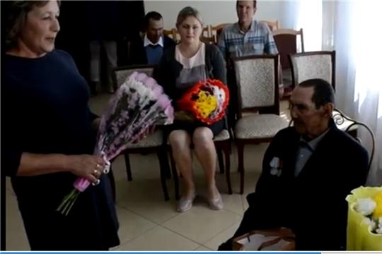 Поздравление семьи Петровых из села Янгорчино с 65-летием совместной жизни
