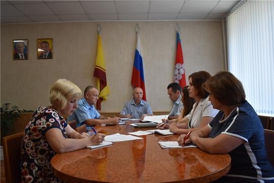 Сегодня в Ядринской районной администрации состоялось очередное заседание комиссии по профилактике правонарушений