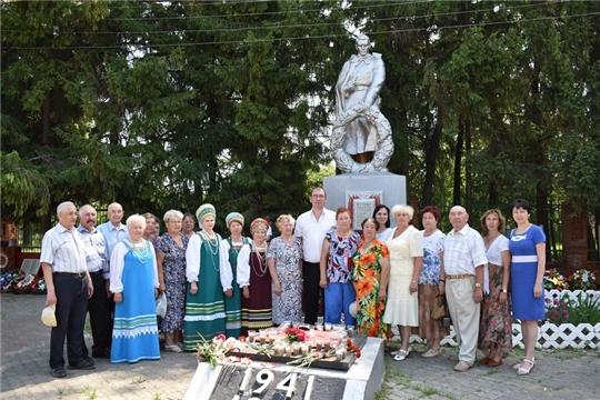 В  День памяти и скорби ядринцы приняли участие во Всероссийской патриотической акции «Свеча памяти»