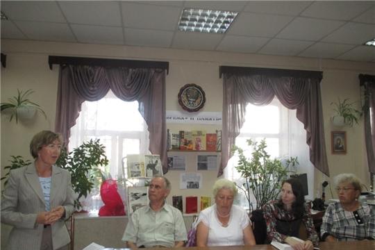 В клубе любителей поэзии и романса «Радуга» прошел поэтический вечер, посвященный творчеству А.А. Ахматовой и Ю.И. Визбора «Судьба и песня»