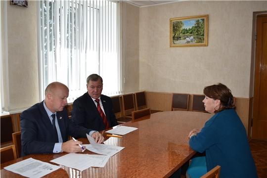 Депутат Госдумы Николай Малов сегодня в Ядринской районной администрации провел прием граждан по личным вопросам