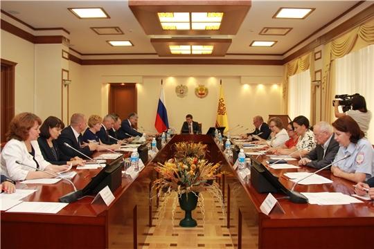 На Правительственной комиссии по вопросам охраны здоровья населения Чувашской Республики обсудили промежуточные итоги внедрения системы мониторинга движения лекарств