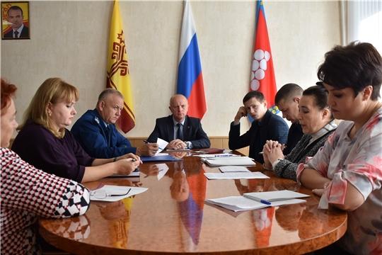 В Ядринской районной администрации состоялось внеочередное заседание антинаркотической комиссии
