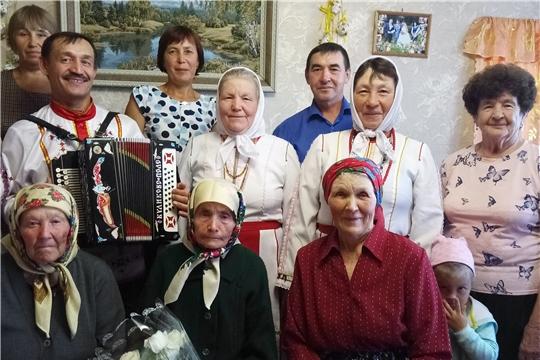 Ветерану Великой Отечественной войны Степановой Анне Никифоровне из деревни Бархаткино исполнилось 90 лет