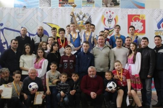 Состоялось первенство Яльчикского района по тяжелой атлетике среди школьников памяти чемпионов Чувашии Александра Кедрова и Алексея Шляпина