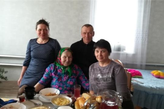 90 лет исполнилось жительнице деревни Новое Андиберево Журавлевой Елизавете Петровне