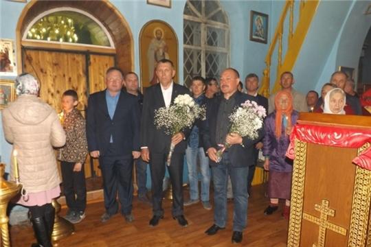 Глава администрации Яльчикского района Николай Миллин принял участие в Пасхальном богослужении в Храме Рождества Христова
