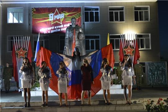 Накануне Дня Победы в Яльчикском районе прошло факельное шествие молодежи