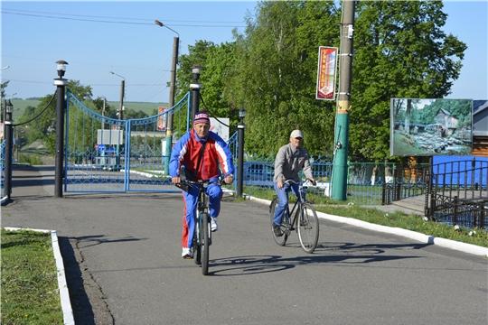 """Жители Яльчикского района поддержали Всероссийскую акцию """"На работу – на велосипеде"""""""