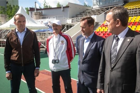Михаил Игнатьев в Чебоксарах и Новочебоксарске проинспектировал спортивные объекты