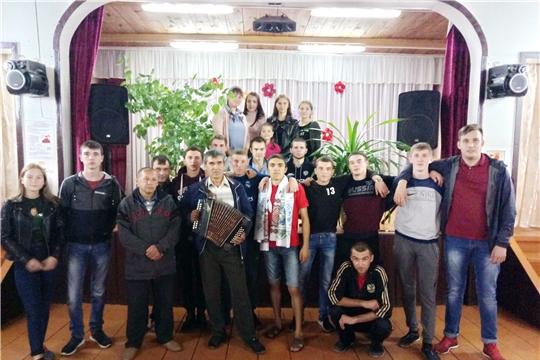 Торжественные проводы в армию в Новотойдеряковском СДК