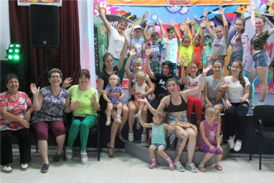 В Тоскаевском МКЦД прошел мастер-класс по обучению зумба-фитнеса