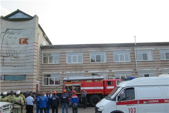 В Яльчикской ЦРБ состоялись плановые пожарно-тактические учения
