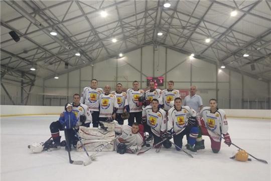 """ХК """"Яльчики"""" - перед последним туром занимает первое место в весеннем Кубке хоккейного турнира любительских команд « Volga challenge cup»"""