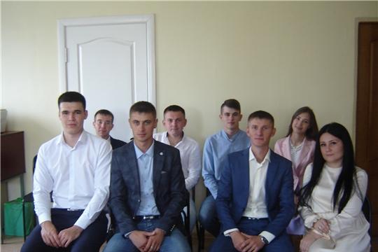 В отделе ЗАГС администрации района проведен диспут на тему «Подготовка молодежи к семейной жизни»
