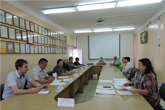 Состоялось заседание Межведомственной комиссии по вопросам повышения доходов консолидированного бюджета Яльчикского района, своевременности и полноты выплаты заработной платы, снижения неформальной занятости