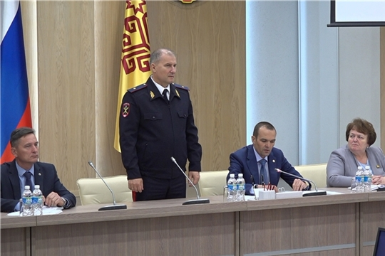 Михаил Игнатьев представил нового руководителя МВД по Чувашии членам Кабинета Министров республики
